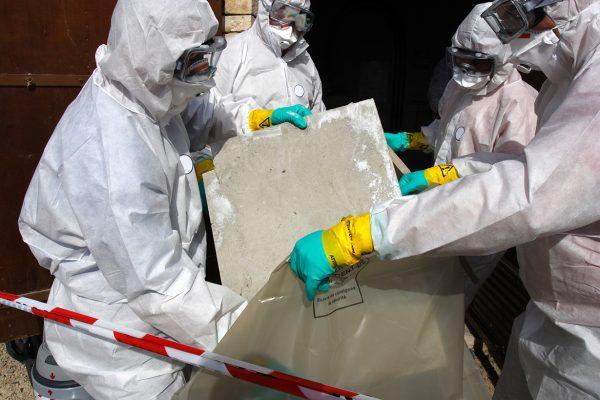 Wilt u ook graag deskundig asbestverwijderaar worden? Leg het DAV 1 examen af bij SNEI.nl